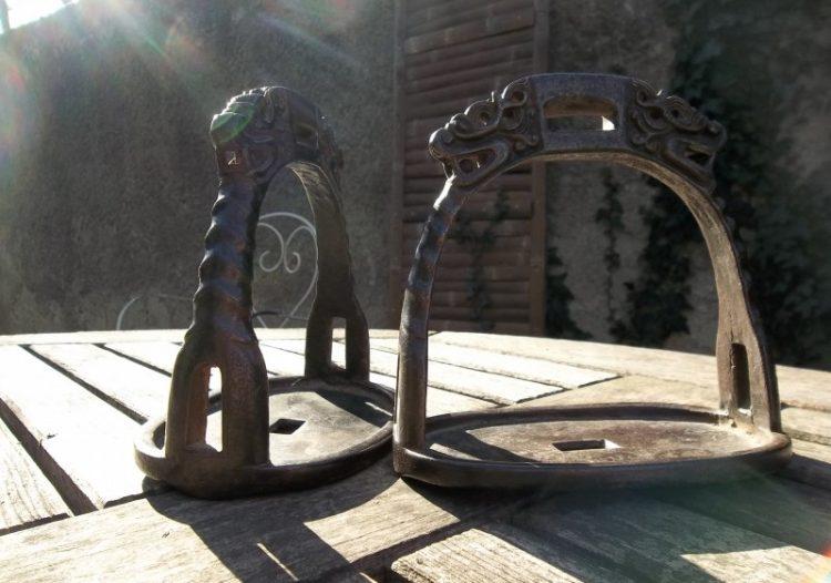 Antiquité équestre : Équipement du cavalier